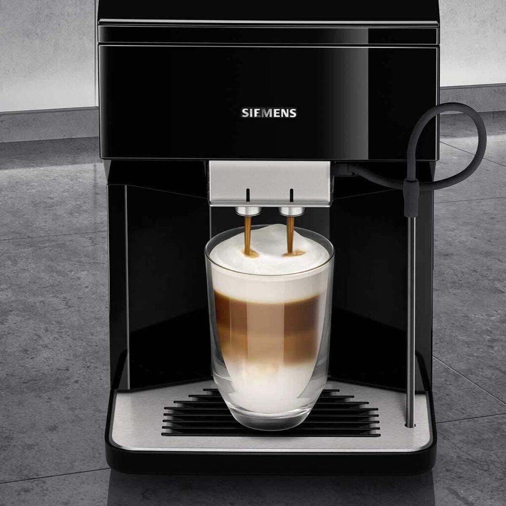 La machine à café à grain Siemens EQ.500 Classic profite d'une superbe promotion ce jour sur Amazon.