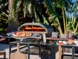 Ooni : le four à pizza hyper tendance pour changer du barbecue cet été !