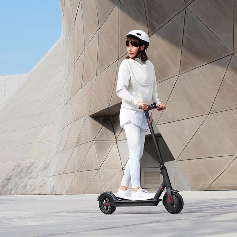 La trottinette électrique Xiaomi Scooter 1S est à un bon prix pour les soldes - www.heavybull.com